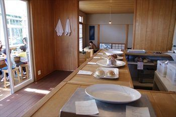 横浜山手のパン屋「ON THE DISH(オン・ザ・ディッシュ)」の店内