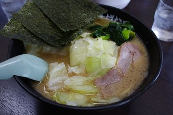 横浜片倉町にあるラーメン店「とんぱた亭」のラーメン