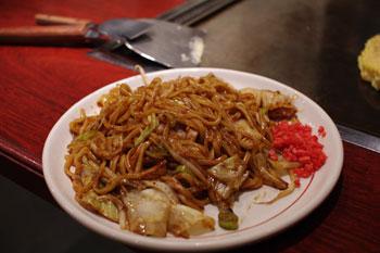横浜シャルにあるおいしいお好み焼き屋「ゆかり」の焼そば