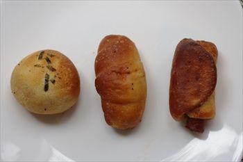 横浜綱島にあるコッペパン専門店「こっぺんどっと」のパン
