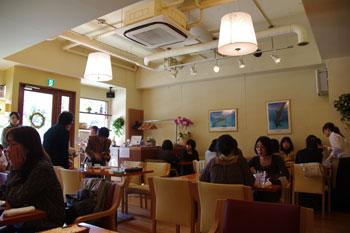横浜鶴見にあるスペアリブのお店「プライム・リブ」の店内