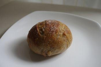 横浜山手にあるパン屋さん「ON THE DISH」のパン