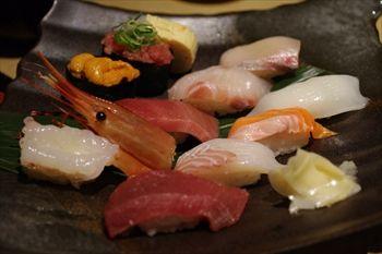 新横浜にある寿司屋「まぐろ問屋三浦三崎港」のランチ寿司