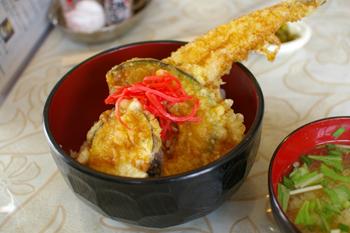横浜野島公園近くにある定食屋「カリビアン」のあなご天丼