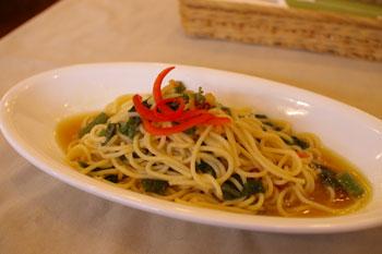 横浜桜木町の「驛(うまや)の食卓」のパスタ