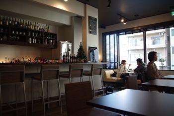 横浜センター北にあるダイニングカフェ「Tawaraya Cafe」の店内