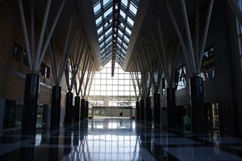 横浜市金沢区にあるテクノタワーホテルの1階