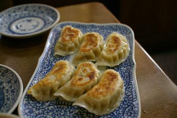 横浜大口にあるラーメン&中華飯店「もんど」の餃子