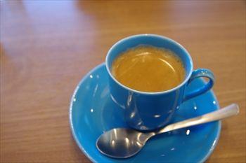 横浜東神奈川にあるパン屋「パンドウー(Pain de U)」のコーヒー