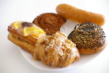 横浜金沢区のおいしいベーカリー「ブレドール」のパン