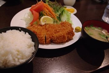 横浜大倉山にあるとんかつ屋「とら吉」のとんかつ