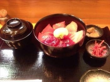 横浜あざみ野にある「まぐろ専門店 まぐろ」のまぐろ丼