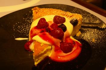 ららぽーと横浜にあるムーミンオーロラカフェのチーズケーキ