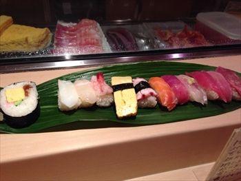 新横浜にある寿司屋「すしの大観」のにぎり寿司