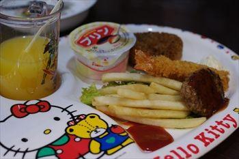 トレッサ横浜にある「築地食堂 源ちゃん」のお子様ランチ