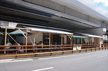 横浜センター北にあるパン屋「北のぱん焼小屋」の外観