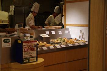 ヨドバシ横浜の「ベーカリーレストラン バケット」のパン
