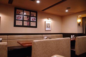 新横浜にある焼肉屋「焼肉 横濱 慶州苑」の店内