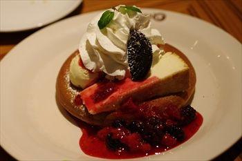 新横浜にあるカフェ「モクオラディキシーダイナー」のパンケーキ