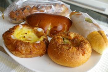 横浜ベイシェラトンホテル&タワーズのパン屋「ドーレ」のパン