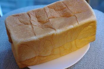 横浜関内にある食パン専門店「乃が美 はなれ」の食パン