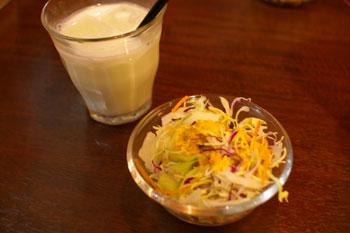 横浜地下街ダイヤモンドの「スープカレー 心」のサラダ
