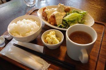 横浜みなとみらいにある肉料理のお店「アンカーグラウンド」のランチ