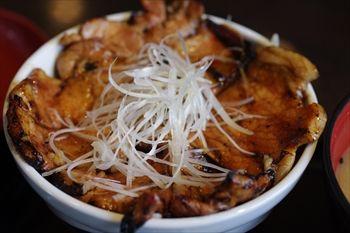 伊勢原にある豚丼専門店「なまらうまいっしょ」の豚丼