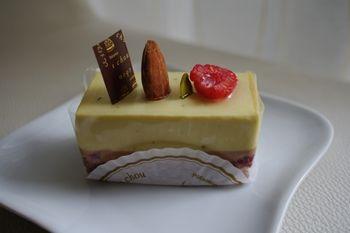 横浜片倉町にあるケーキショップ「シュシュ(chou chou)」のケーキ