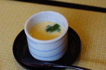 横浜市港北区にあるうなぎ料理専門店「しま村」の茶碗蒸し