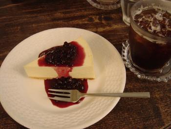 横浜山手のカフェ「えの木てい」のチーズケーキ