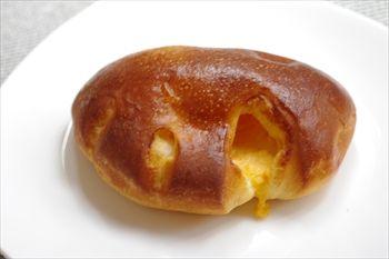 横浜日吉にあるパン屋「柿の木坂 キャトル」のパン