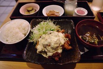 新横浜にある居酒屋「串DINING桜山」のランチ