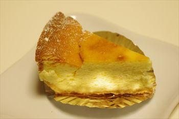 「ル プレ・オ・ヴェールYAMAMURO」のチーズケーキ