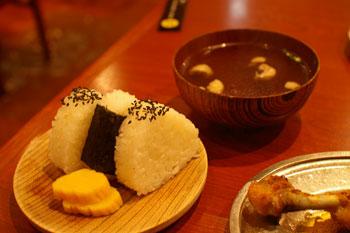横浜西口のおいしい骨付鳥のお店「一鶴」のむすび