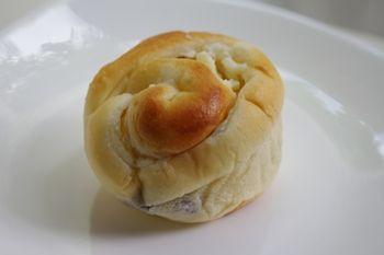 鎌倉七里ヶ浜にあるパン屋「kondo(コンドウ)」のパン