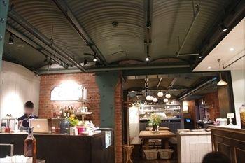 横浜赤レンガ倉庫にあるイタリアン「グリップオーガニック」の外観