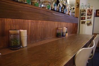 川崎新丸子にかるカフェ「HanaCAFE」の店内