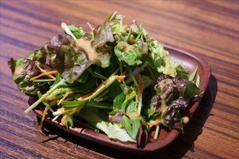 横浜元町にある「ゼット ザ・ウエスト&グリル」のサラダ