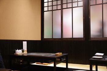 川崎武蔵小杉にあるお好み焼き屋「ぎゅんた」の店内