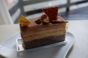 新横浜にあるケーキショップ「ラ ピエスモンテ」のケーキ