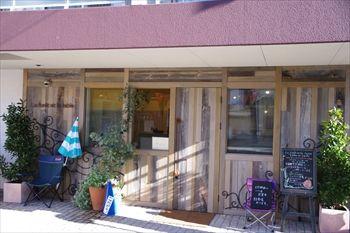 鎌倉にあるパン屋さん「ラフォレ・エ・ラターブル」の外観