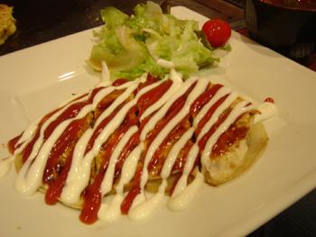 横浜シァルのお好み焼き屋「ゆかり」の豚平(トンペイ)焼き