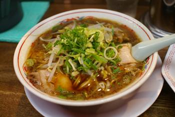 横浜センター北のにあるラーメン店「新福菜館」のラーメン