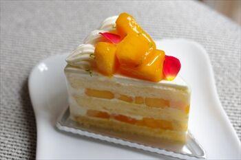 横浜にあるペストリーショップ「ドーレ」のケーキ