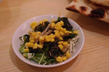 横浜にあるインドカレー食べ放題のお店「マントラ」のサラダ