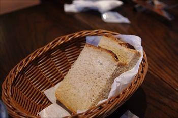 横浜みなとみらいにあるイタリアン「A16」のパン