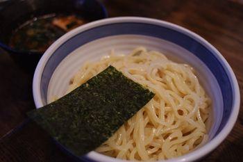 横浜戸塚にあるラーメン店「中華そば しんの助」のつけ麺