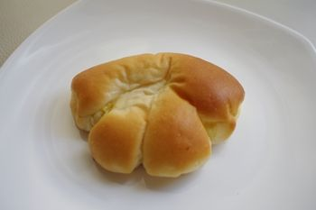横浜大倉山にあるパン屋さん「パンデモモ」のパン