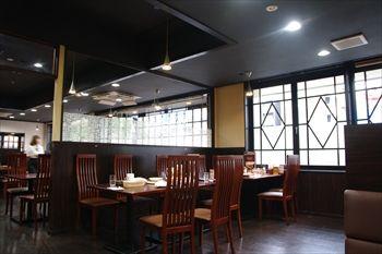 川崎にあるステーキ&ハンバーグのお店「スエヒロ館」の店内